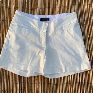 THE LIMITED WHITE SHORTS SZ 6